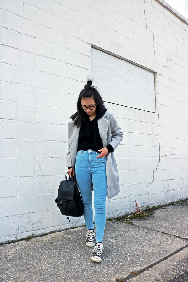 Gray Coat Casual Winter Outfit