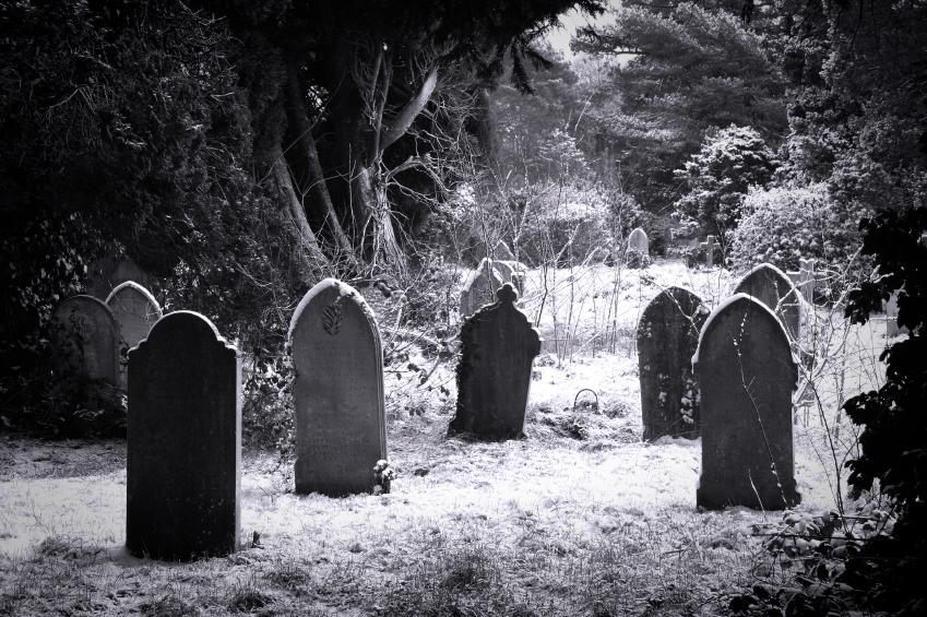 15 قصة حقيقية تقشعر لها الأبدان لأشخاص تلقوا علامات من الموتى