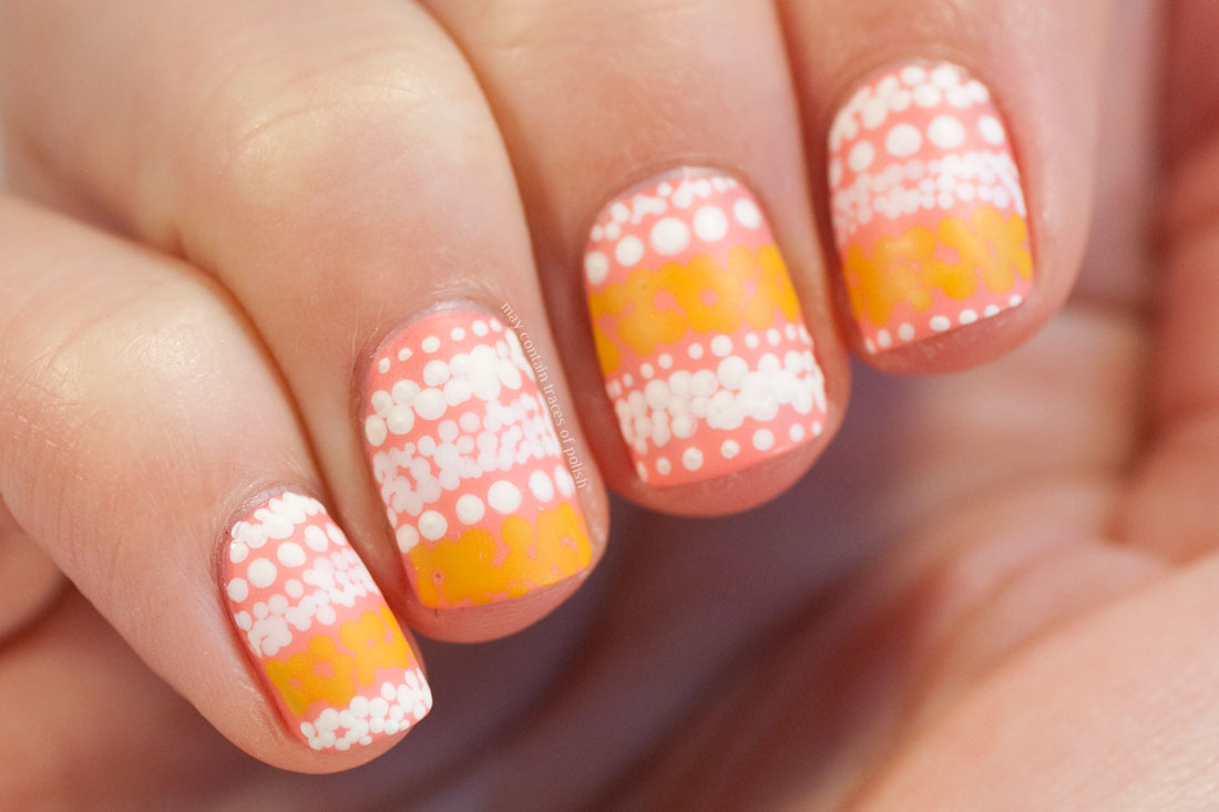 Fashion nail art Marimekko Jurmo dotted nails