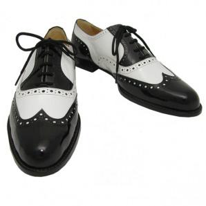 06fa84472fc54 Pensando en las muselinas  Historia de  Los zapatos bicolor