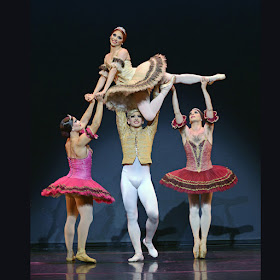 Chase Johnsey and Giovanni Goffredo, as Yekaterina Verbosovich and Sergey Legupski, in Paquita. © Dave Morgan