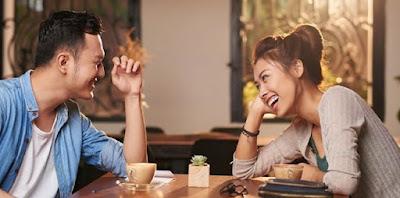 5 Hal Yang Menjadi Tanda Kamu Benar-benar Jatuh Cinta