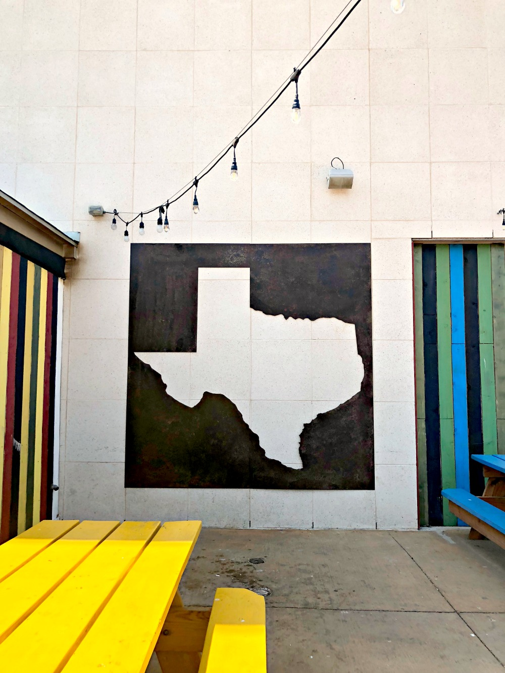 texas love mural wall