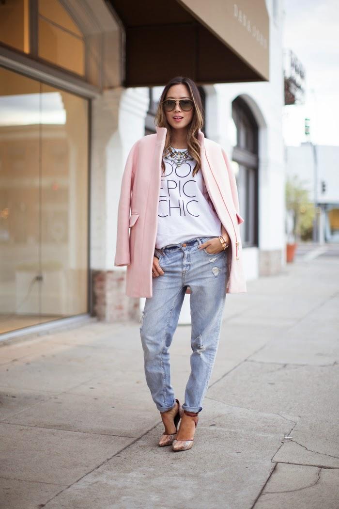 Charada   Looks para saber cómo combinar un abrigo rosa pastel 26297e7a7e5f