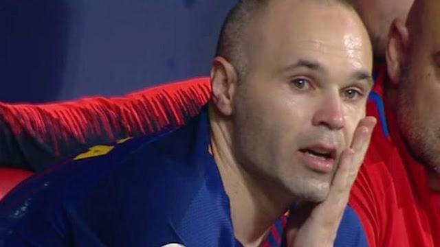 Iniesta không ngừng khóc trong trận cuối cùng với Barca