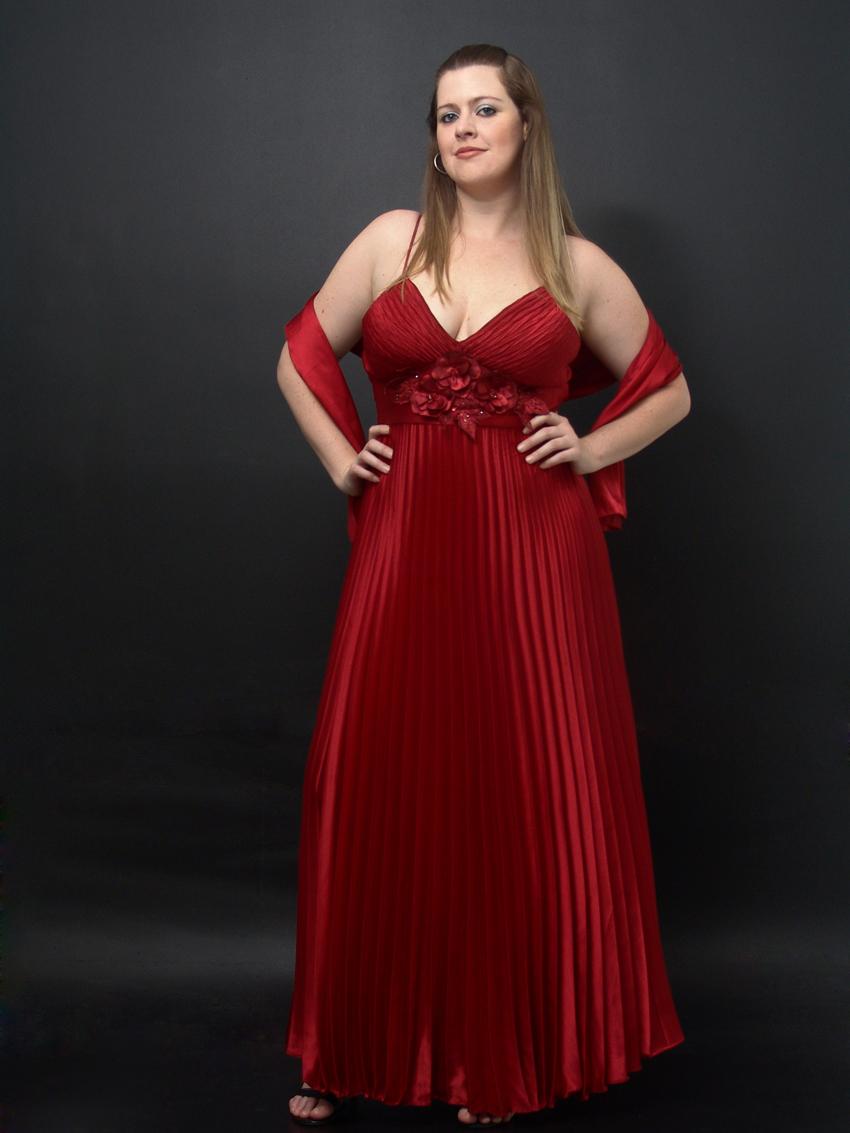d117264a3 Helena Custodio Modelo Plus Size  VESTIDO DE FESTA PARA GORDINHA