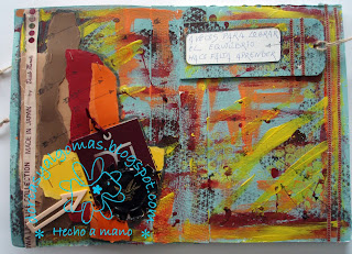 http://dorcasyalgomas.blogspot.com.es/2015/11/art-journal-veces.html