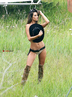 Alessandra-Ambrosio-512+%7E+SexyCelebs.in+Exclusive.jpg