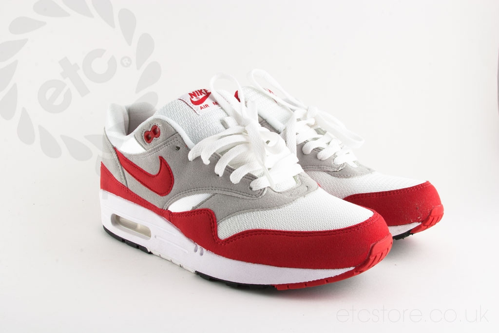 on sale 95a79 9925e LEGIT OF FAKE AIR MAX 1 QS