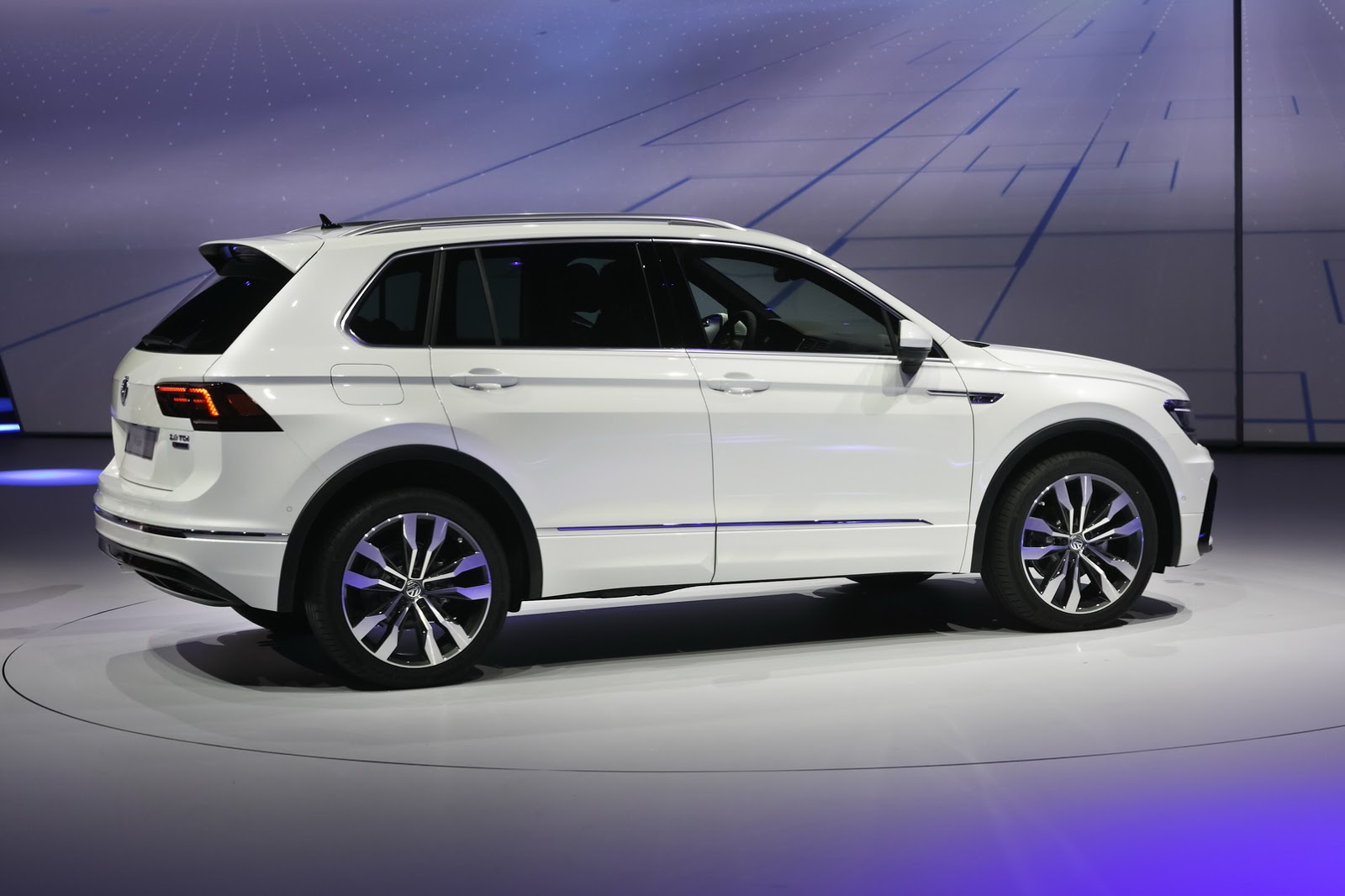 ... 2017 VW Tiguan 17 new volkswagen tiguan promises to be better in every  way 2015 vw Tiguan 2015 Fuse Box Diagram ...
