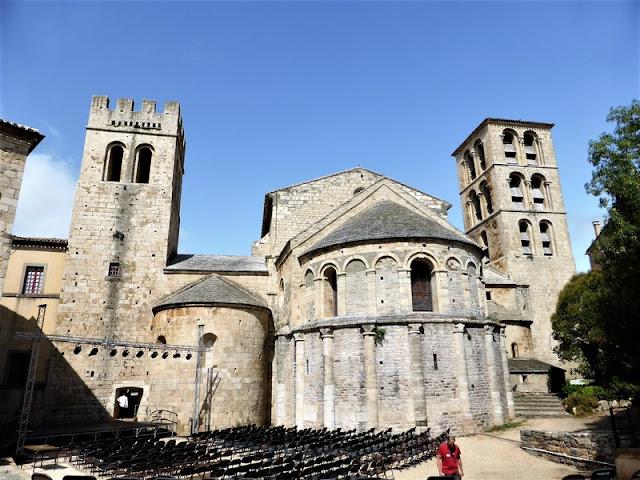 Abadía de Caunes-Minervois, Caunes-Minervois Abbey