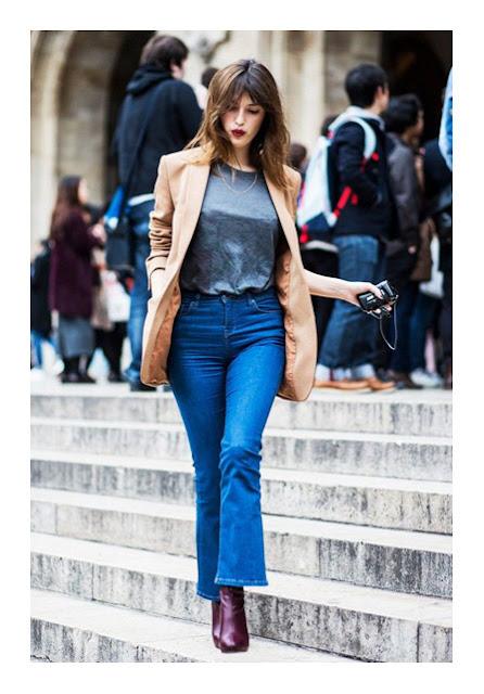 Укороченные расклешенные джинсы на фигуре груша