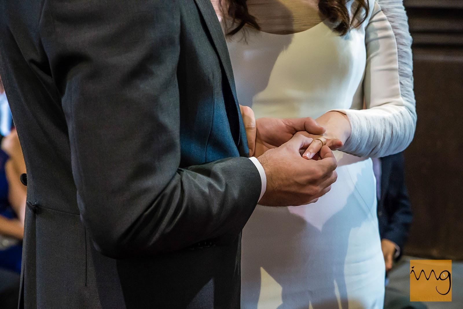 Fotografía de boda en Granada, la alianza