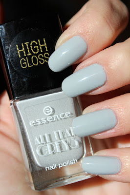http://lacquediction.blogspot.de/2015/11/essence-all-that-greys-le-review.html