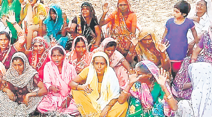 women_protest_against_liquor_shops