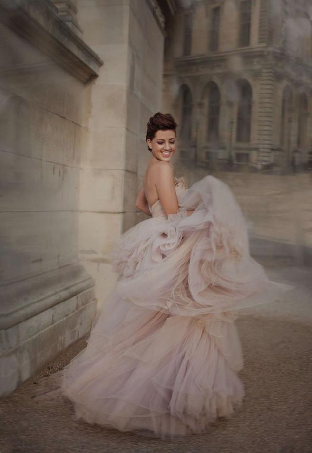 une sélection de robe de mariée nude blush et pastel par Vanessa Lekpa