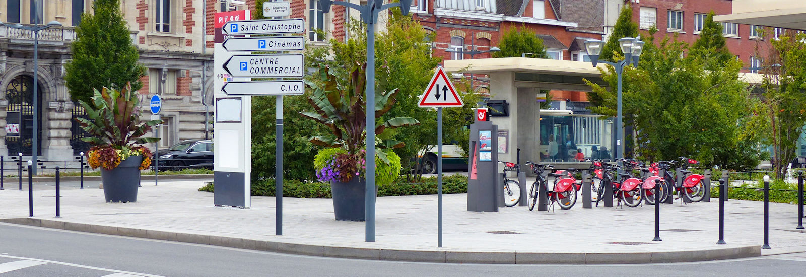 """Station V'Lille """"Place Roussel"""" - Tourcoing, place Roussel"""