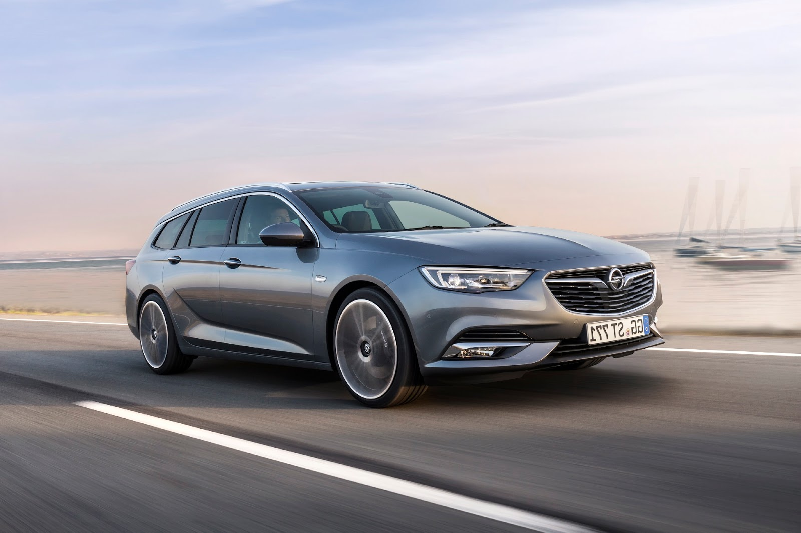 Meet The New Opel Insignia Sports Tourer Turbo Charged 15 Liter 2018 Next Generation Not Only Looks More Elegant And Sporty It Is Also Practical Overhang Between Bumper Trunk Reduced