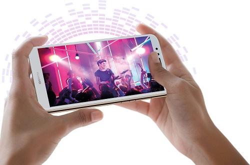 مواصفات وسعر هاتف  Huawei Y6 2018 بتقنية التعرف على الوجه  Face Lock