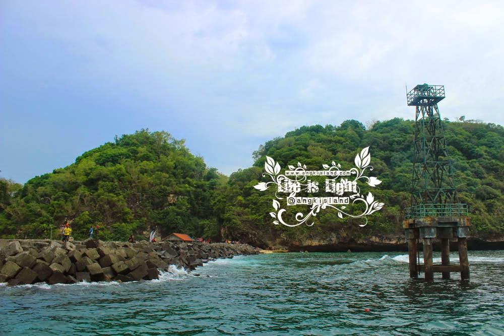 menara pantai Sadeng