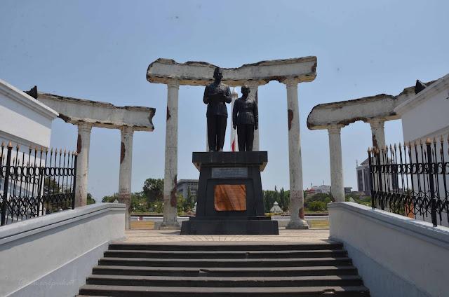 Wisata Museum Tugu Pahlawan