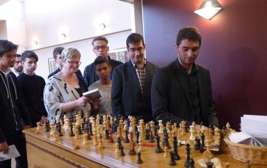 Dernier hommage à Xavier Parmentier (1963-2016), maître des échecs disparu à 52 ans - Photo © Le Parisien
