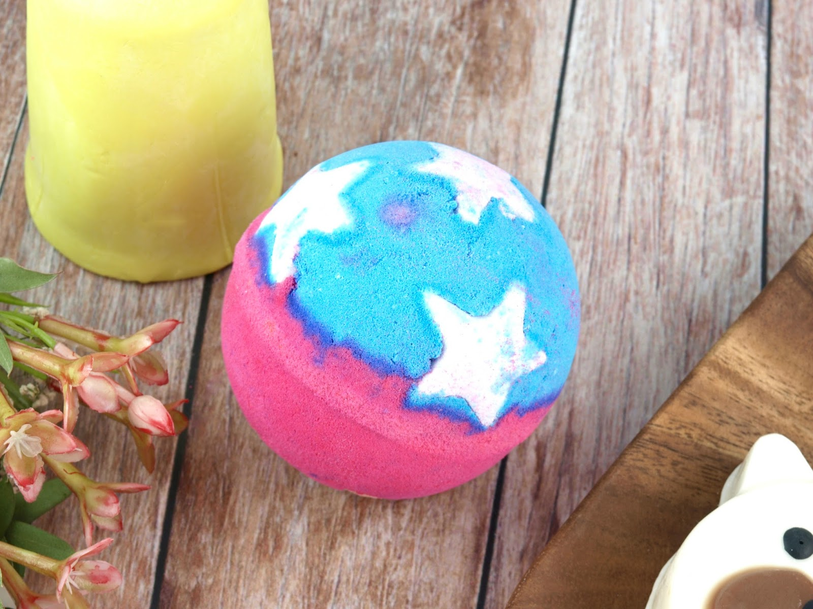 Lush Mother's Day | Madame President Bath Bomb
