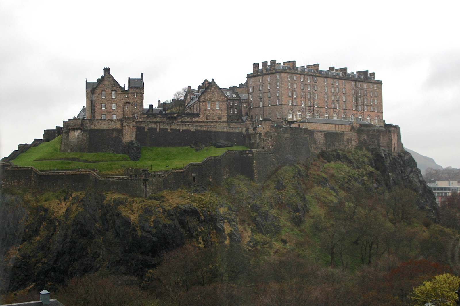 luxury hotel with views of edinburgh castle