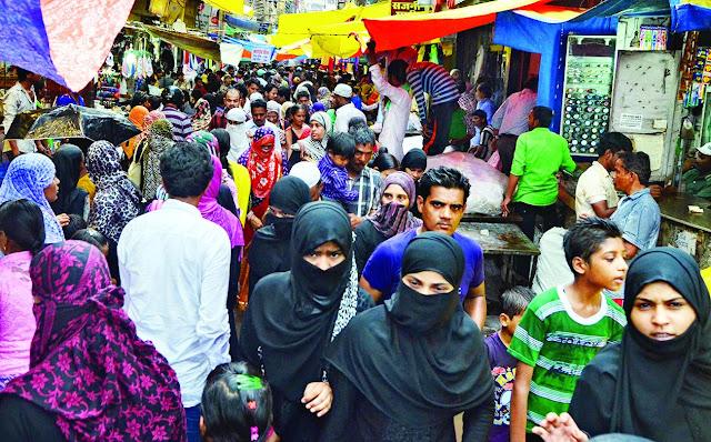 ईद को लेकर राजधानी लखनऊ में बढ़ी चहल-पहल