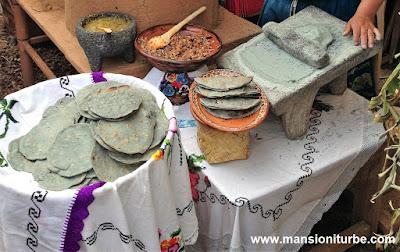 Cocina Tradicional Michoacana: Tortillas de Maíz Azul