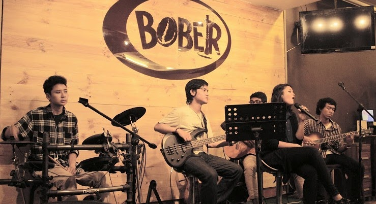 Live Music Bober Cafe