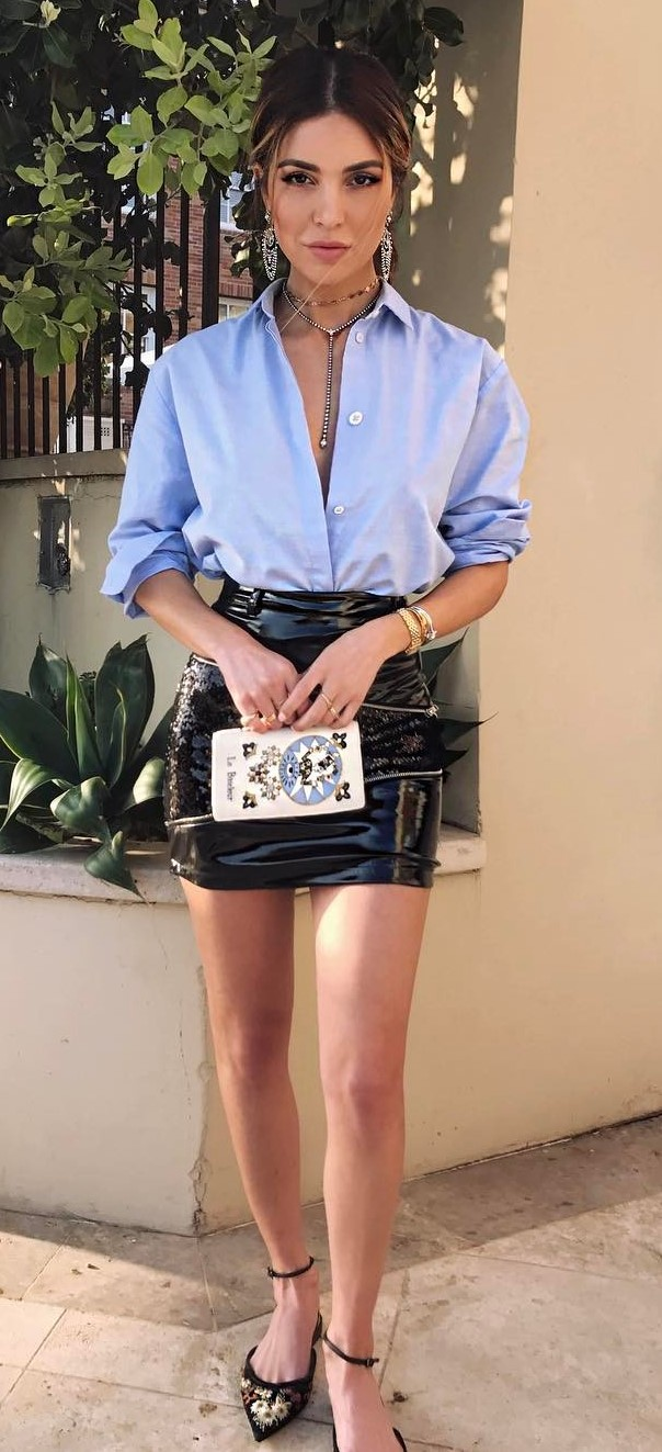 beautiful summer outfit: shirt + leather skirt