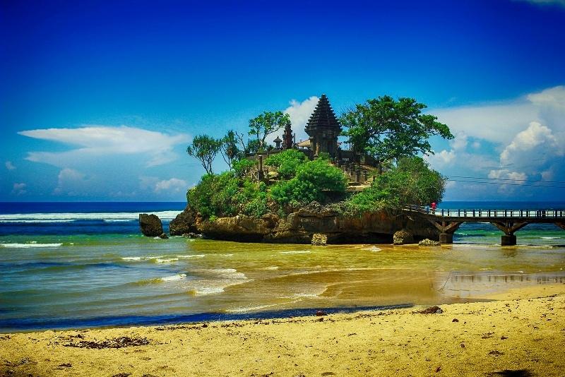 20 Wisata Pantai Paling Populer Dan Menawan Di Malang Selatan Manusia Lembah