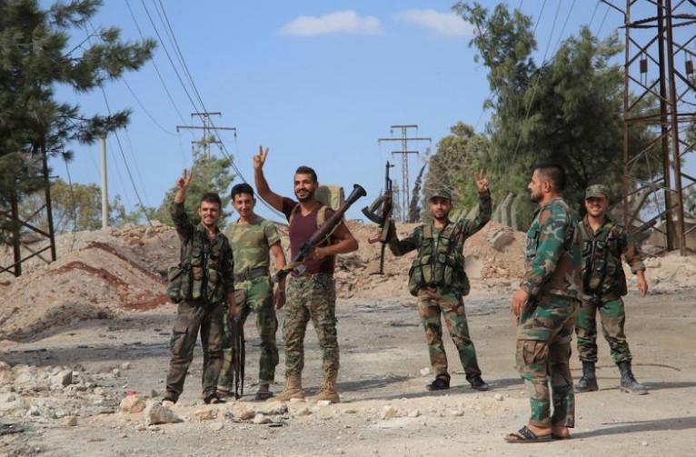 الجيش السوري وحزب الله يهاجمان الدولة الإسلامية قرب حدود لبنان