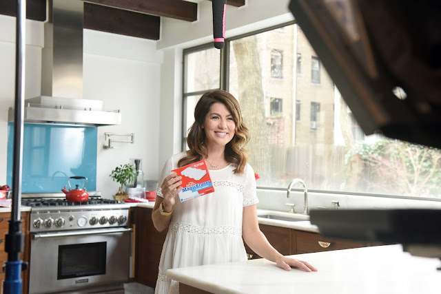 Cleaning a Rental Home with Mr. Clean Magic Eraser Jillian Harris