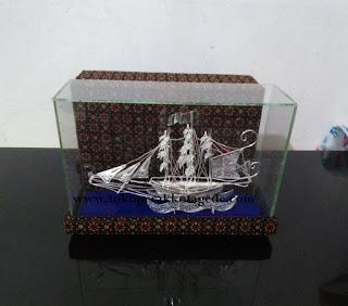 kapal konstitusi perak tanggung