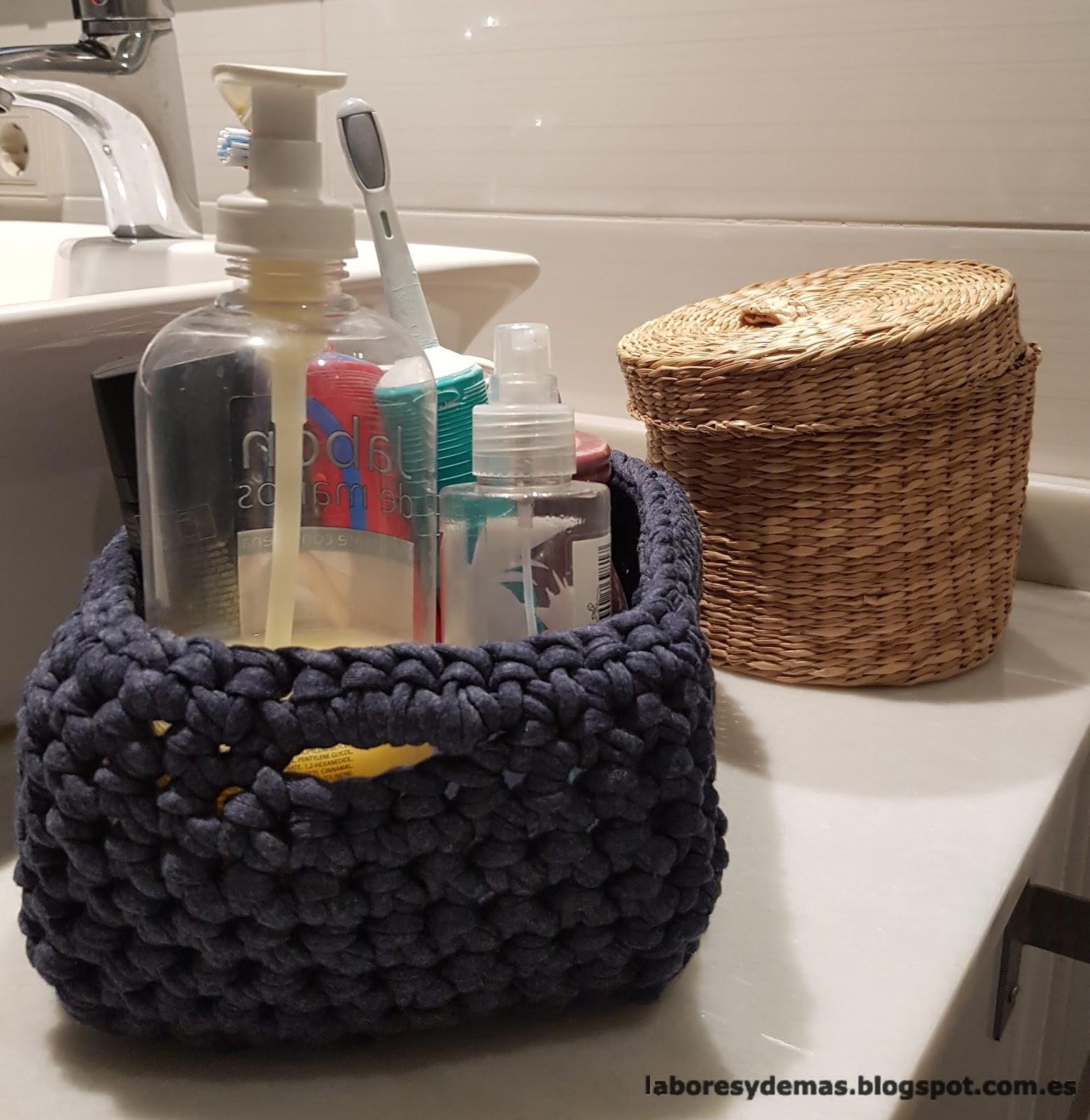 Cesta de trapillo para el baño