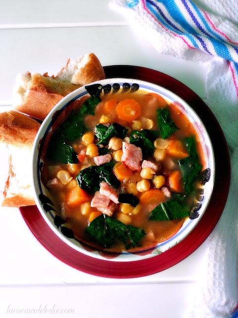 Sopa de Garbanzos - lacocinadeleslie.com