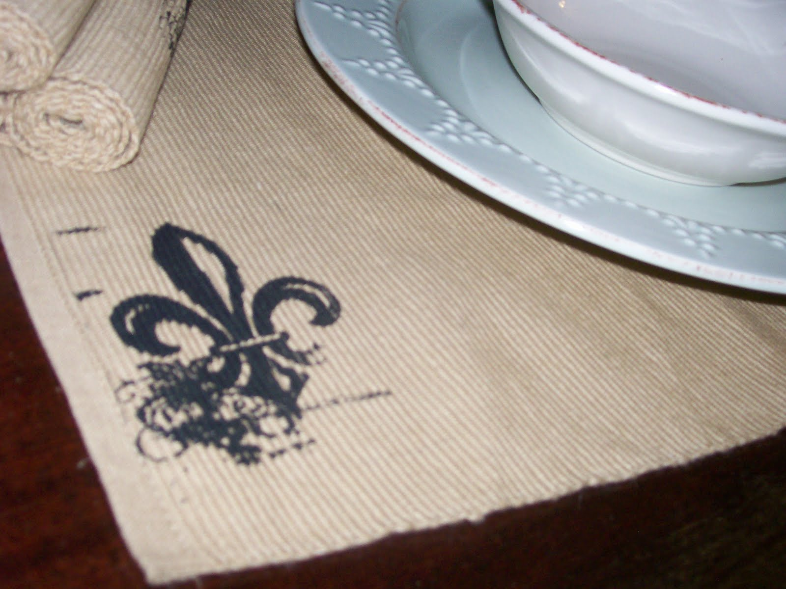 Sold Fleur De Lis Printed Table Runner And Placemats Set Of 4