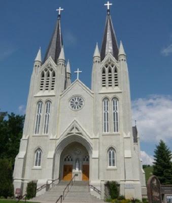 Gereja katolik tempat ibadah umat kristen katolik - berbagaireviews.com