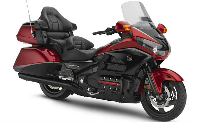 leaked news HONDA GOLD WING 2018 details