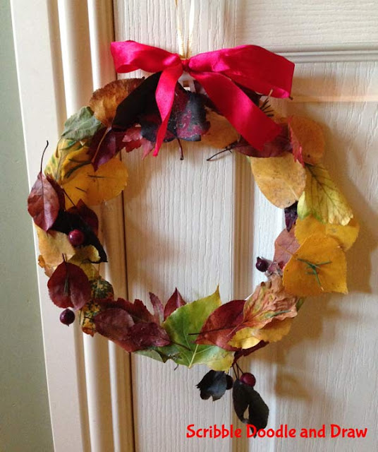 craft for children fall wreath made with leaves