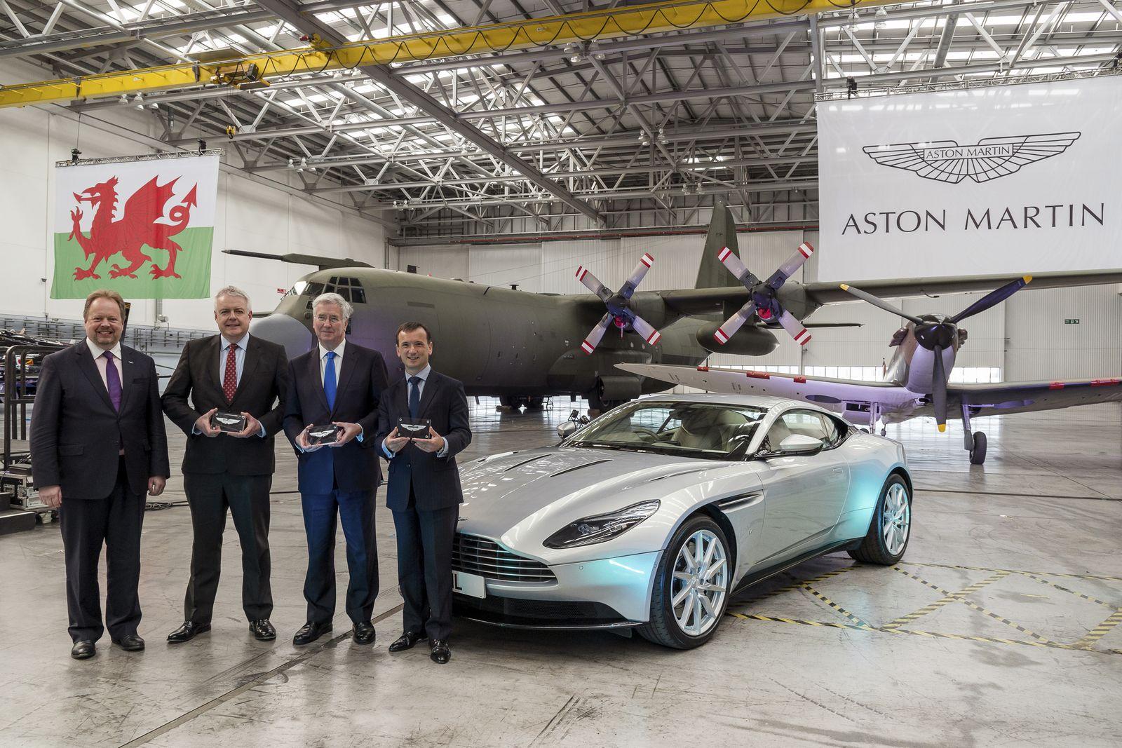 2019 - [Aston Martin] DBX Aston%2BMartin%2BDBX%2Bfactory%2B-1