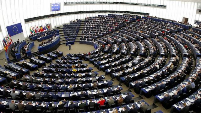 El Parlamento Europeo aprueba la polémica reforma de los derechos de autor