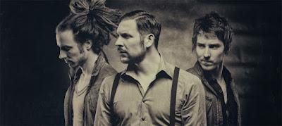 Indie Rock Trio Aus Wien Bestehend Sami Goodenough Und Den Zwillingen Gregor Paul Saile My Glorious Sind Die Wohnzimmerkonzert Band Schlechthin