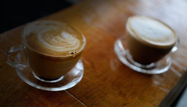 Γιατί πρέπει να κόψεις το γάλα και τη ζάχαρη από τον καφέ