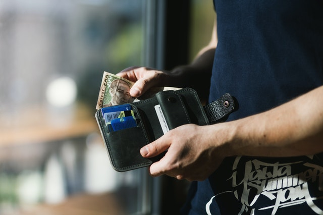 Keep your money in a safe location to avoid hassles when traveling