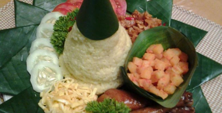 Resep Nasi tumpeng kuning susu enak dan sedap