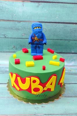 tort lego ninja z jedna figurka