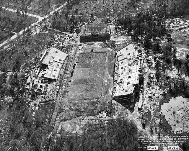 Construction of Robertson Stadium at the University of Houston, 26 December 1941 worldwartwo.filminspector.com